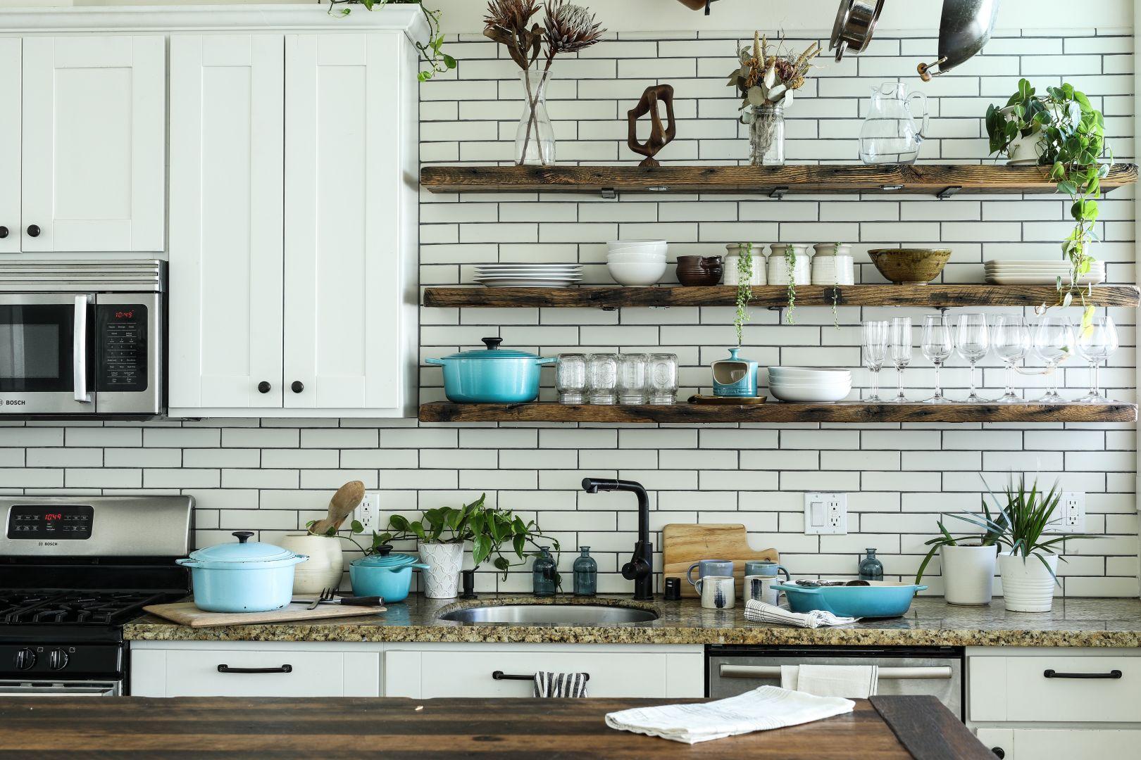 gạch ốp tường bếp - gạch ceramic tráng men