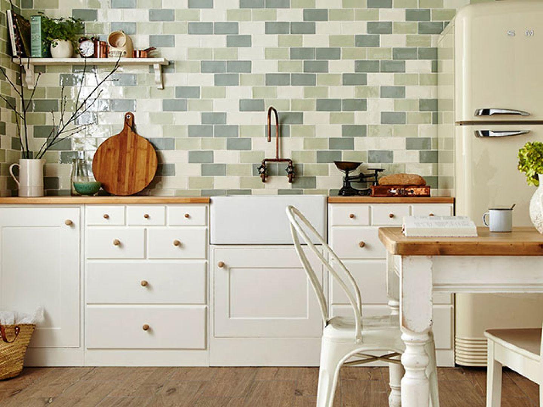 mẫu gạch ốp tường bếp đẹp - ceramic tráng men phối xanh