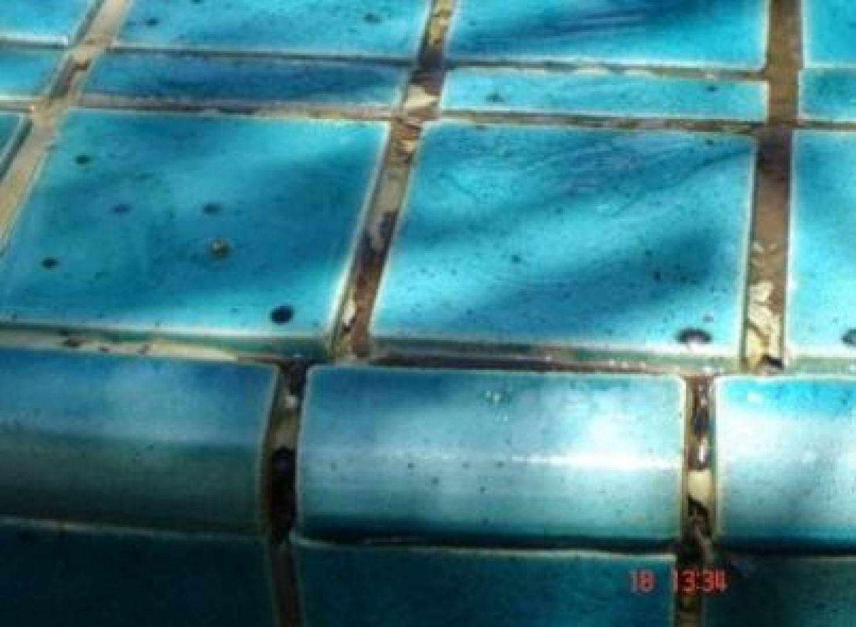 ron bể bơi bong tróc nứt gãy